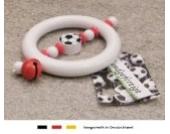 Baby Greifling Rassel Beißring | Holz Lernspielzeug als Geschenk zur Geburt & Taufe | Motiv Fussball in Vereinsfarben - rot, weiß
